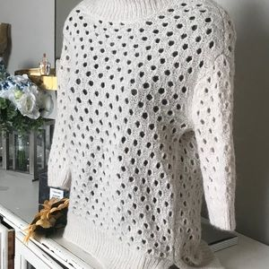 Ann Taylor merino wool sweater 🌻
